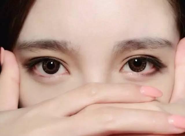 漂亮的双眼皮眼神